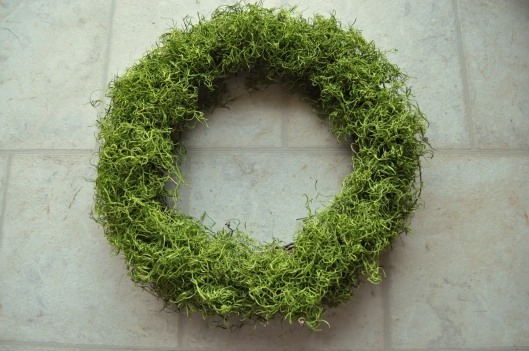 arrange moss on wreath
